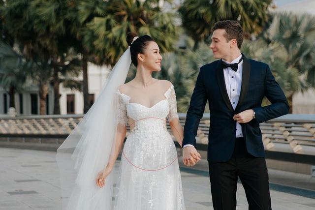 Sau đám cưới trong mơ, Hoàng Oanh liên tục để lộ vòng 2 lớn bất thường giữa tin đồn mang thai - Ảnh 1.