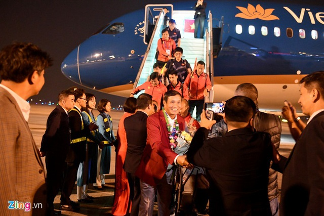 Thủ tướng Nguyễn Xuân Phúc chúc mừng HLV Park Hang-seo, Mai Đức Chung và toàn thể các cầu thủ vàng của bóng đá Việt Nam - Ảnh 13.