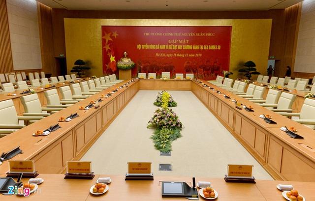 Thủ tướng Nguyễn Xuân Phúc chúc mừng HLV Park Hang-seo, Mai Đức Chung và toàn thể các cầu thủ vàng của bóng đá Việt Nam - Ảnh 18.