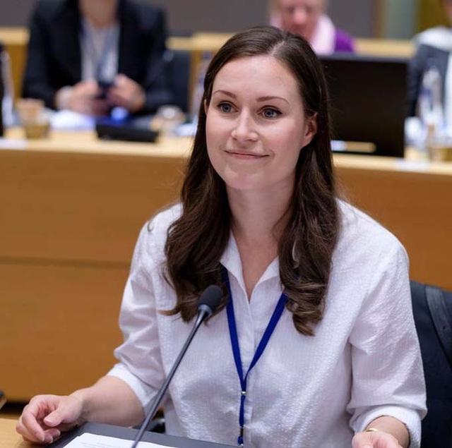 Nữ thủ tướng trẻ nhất thế giới lớn lên trong gia đình cầu vồng - Ảnh 3.