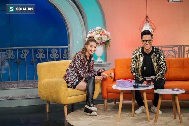 Cuộc sống bị mẹ rao bán của MC xinh đẹp VTV không được dùng tên thật khi lên sóng - Ảnh 25.