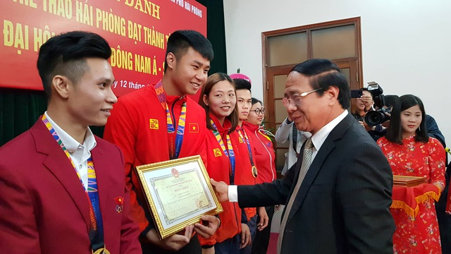 Hải Phòng thưởng nóng cho các VĐV và HLV đạt thành tích cao tại Sea Games 30 - Ảnh 1.