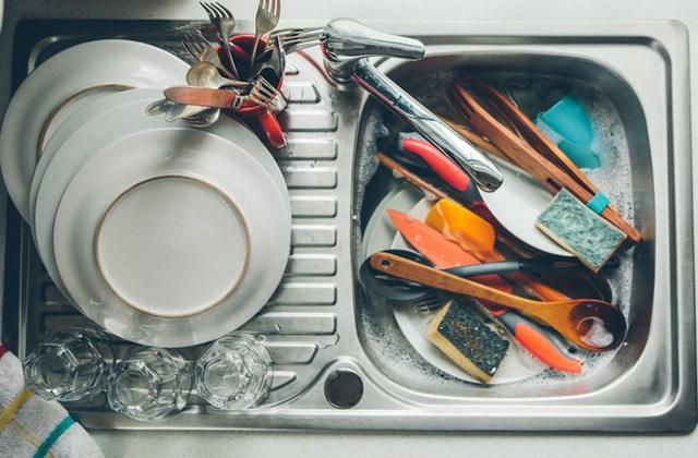 5 chỗ trong nhà bếp có thể bẩn hơn cả toilet, chỗ thứ 2 bạn không thể ngờ tới - Ảnh 3.