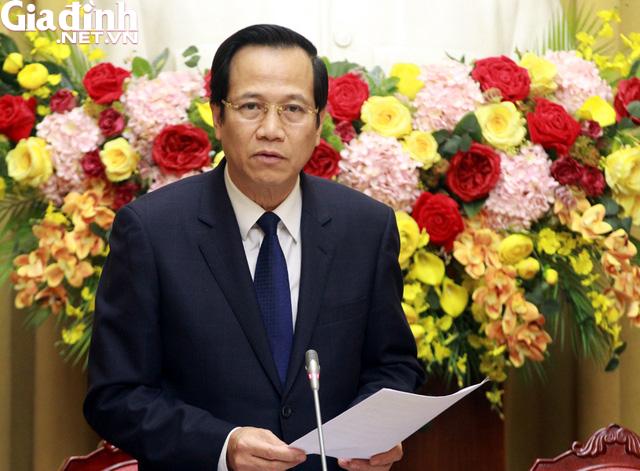 Bộ trưởng Đào Ngọc Dung nói gì khi lương của chồng có thể chuyển thẳng vào tài khoản của vợ? - Ảnh 2.