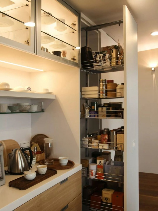 Căn hộ ấn tượng với hàng trăm loại gia vị và hàng ngàn cuốn sách của người phụ nữ đam mê nấu nướng - Ảnh 20.