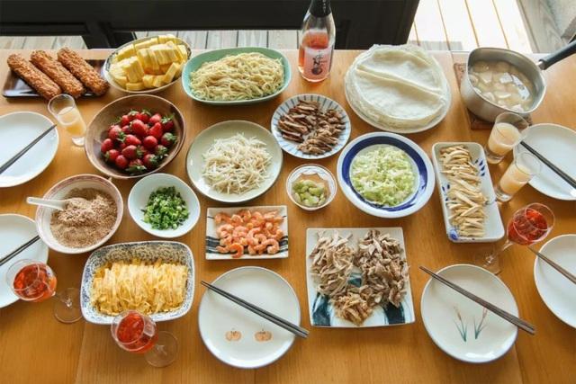 Căn hộ ấn tượng với hàng trăm loại gia vị và hàng ngàn cuốn sách của người phụ nữ đam mê nấu nướng - Ảnh 6.