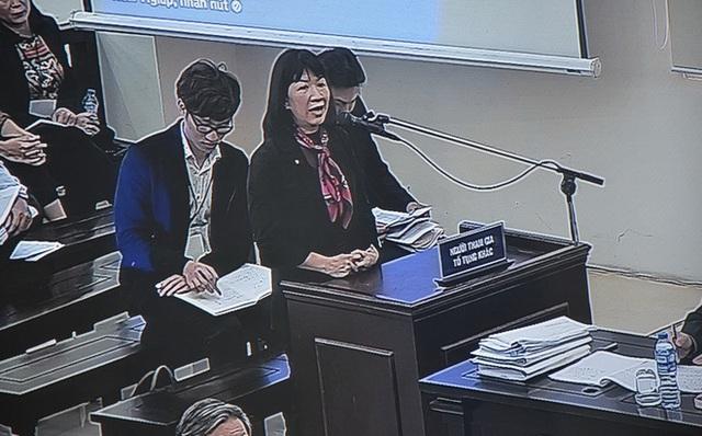 Vợ cựu Bộ trưởng Trương Minh Tuấn nghẹn ngào xin giảm tội cho chồng - Ảnh 2.