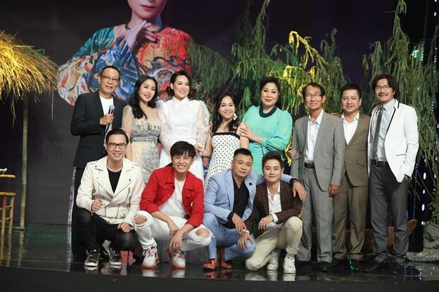 NSND Hồng Vân tiết lộ tình cảm đặc biệt với ca sĩ Nguyễn Hưng - Ảnh 10.