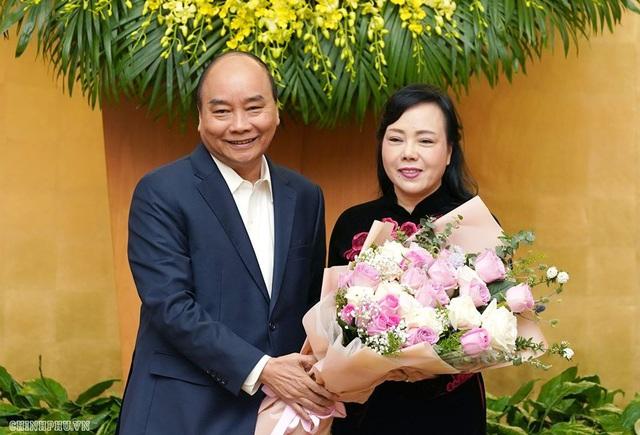 Thủ tướng chúc mừng bà Nguyễn Thị Kim Tiến hoàn thành nhiệm vụ Bộ trưởng Bộ Y tế  - Ảnh 2.