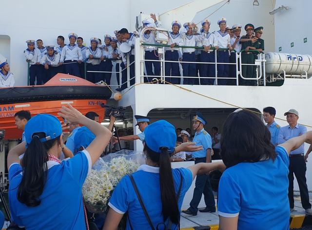 Xúc động lễ xuất quân làm nhiệm vụ tại quần đảo Trường Sa - Ảnh 4.
