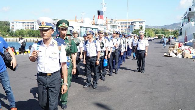 Xúc động lễ xuất quân làm nhiệm vụ tại quần đảo Trường Sa - Ảnh 2.