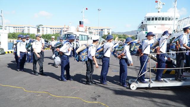 Xúc động lễ xuất quân làm nhiệm vụ tại quần đảo Trường Sa - Ảnh 3.