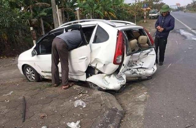 Thái Bình: Hai xe ô tô đâm nhau, một người tử vong - Ảnh 2.