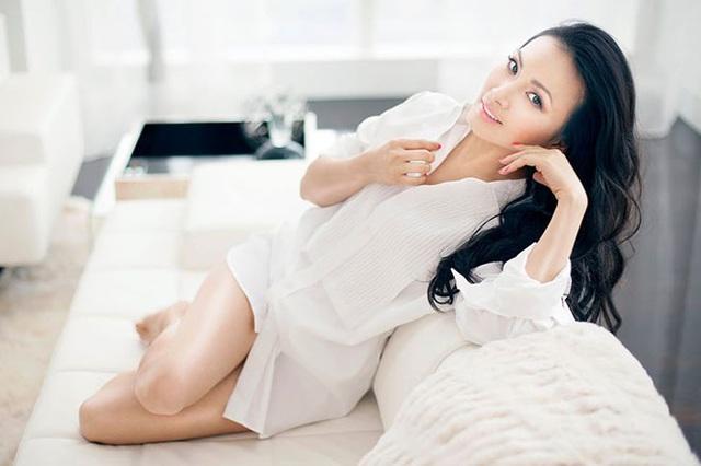 Sau gần 20 năm làm vợ tỷ phú gốc Việt giàu nhất ở Mỹ, ca sĩ Hà Phương giờ ra sao? - Ảnh 9.