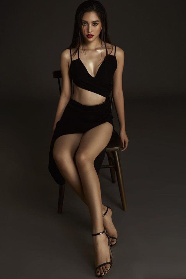 Hoa hậu Trần Tiểu Vy bất ngờ khoe ảnh bikini đầy nóng bỏng - Ảnh 5.