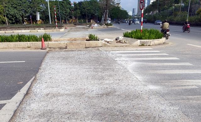 Người dân Thủ đô bức xúc vì đường phố đang đẹp bỗng dưng bị đào xới nhếch nhác dịp cận Tết - Ảnh 9.