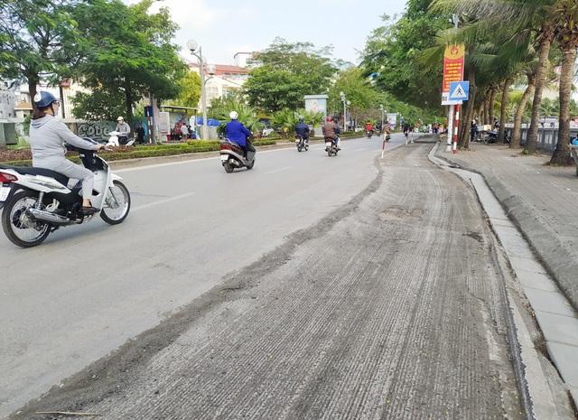 Người dân Thủ đô bức xúc vì đường phố đang đẹp bỗng dưng bị đào xới nhếch nhác dịp cận Tết - Ảnh 19.