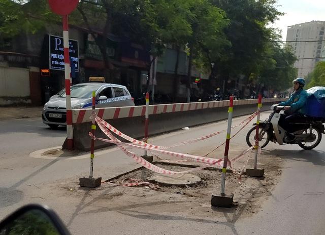 Người dân Thủ đô bức xúc vì đường phố đang đẹp bỗng dưng bị đào xới nhếch nhác dịp cận Tết - Ảnh 18.