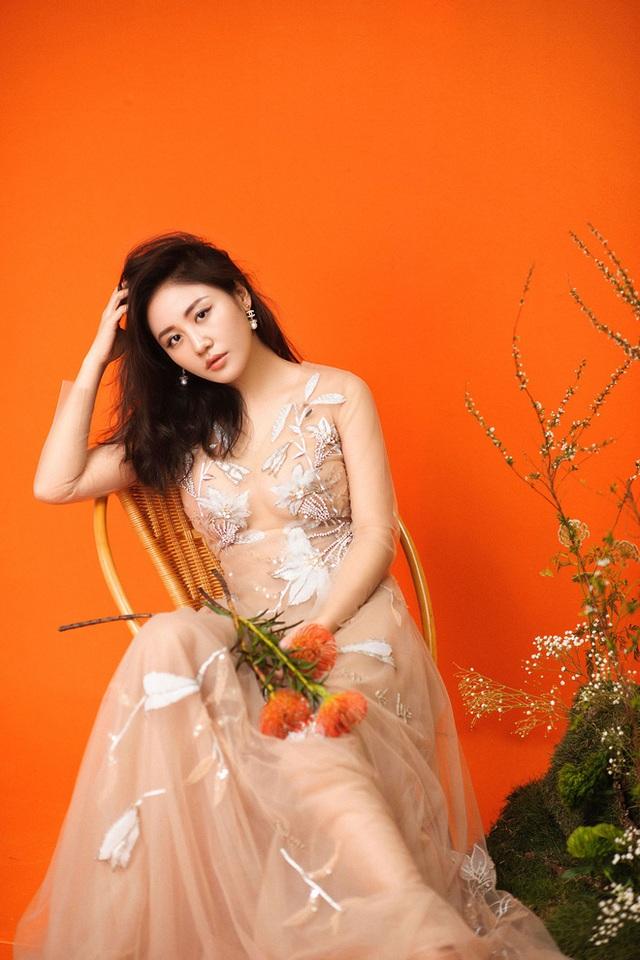 Văn Mai Hương bị lộ clip nhaỵ cảm và chuyện khó tin trong showbiz Việt - Ảnh 1.