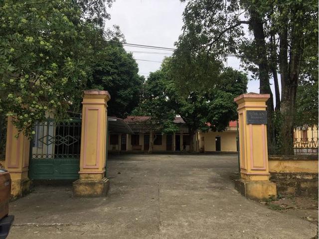 Chánh văn phòng TAND huyện lo lắng đến nhập viện trước khi bị bắt vì trốn truy nã 26 năm - Ảnh 2.