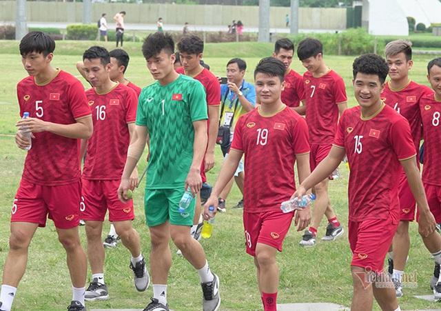 Thủ môn bị coi là tội đồ trong trận gặp Indonesia sẽ giúp thầy Park mở cơ hội đến chức vô địch? - Ảnh 4.