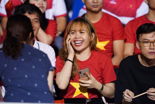 U22 Việt Nam - Singapore: Bùi Tiến Dũng dự bị - Ảnh 3.
