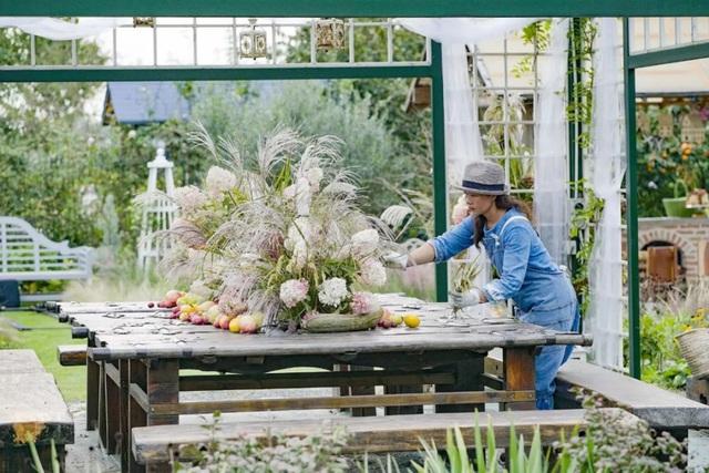 Cặp vợ chồng trẻ dành 5 năm để biến khu đất hoang rộng 6000m² thành khu vườn thiên đường của cỏ cây, hoa lá - Ảnh 22.