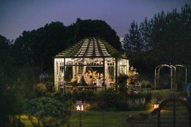 Cặp vợ chồng trẻ dành 5 năm để biến khu đất hoang rộng 6000m² thành khu vườn thiên đường của cỏ cây, hoa lá - Ảnh 32.