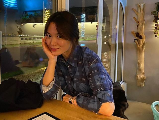 Chồng cũ vừa cho thấy cuộc sống thoải mái hậu ly hôn, Song Hye Kyo đã liền có động thái hồi đáp này - Ảnh 1.