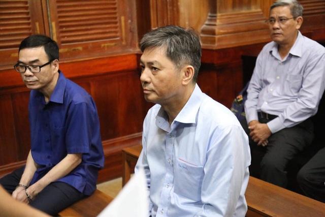 Nguyên Phó Chủ tịch UBND TP.HCM Nguyễn Hữu Tín lĩnh án 7 năm tù - Ảnh 2.