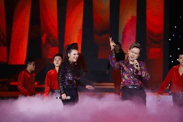 Ngọc Sơn, Giao Linh hát ở sân khấu Trống Đồng sau tin đồn đóng cửa - Ảnh 2.