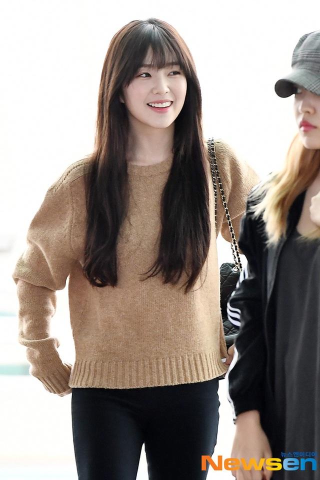 11 ý tưởng diện áo len từ Irene (Red Velvet): Toàn đơn giản mà sao vẫn thanh lịch và thời thượng đến thế! - Ảnh 12.