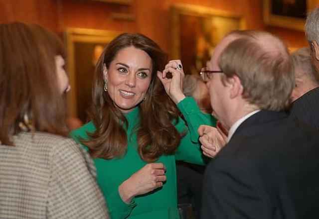 Kate diện váy 1.300 USD đón lãnh đạo thế giới - Ảnh 3.