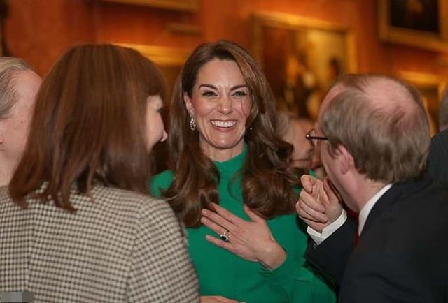 Kate diện váy 1.300 USD đón lãnh đạo thế giới - Ảnh 4.