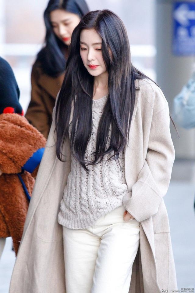 11 ý tưởng diện áo len từ Irene (Red Velvet): Toàn đơn giản mà sao vẫn thanh lịch và thời thượng đến thế! - Ảnh 7.