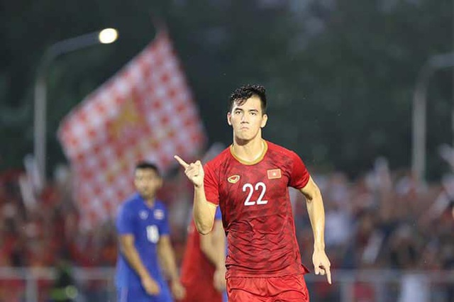 Bố cầu thủ Tiến Linh: Tôi thót tim, lo lắng khi thấy con trai đá penalty - Ảnh 4.