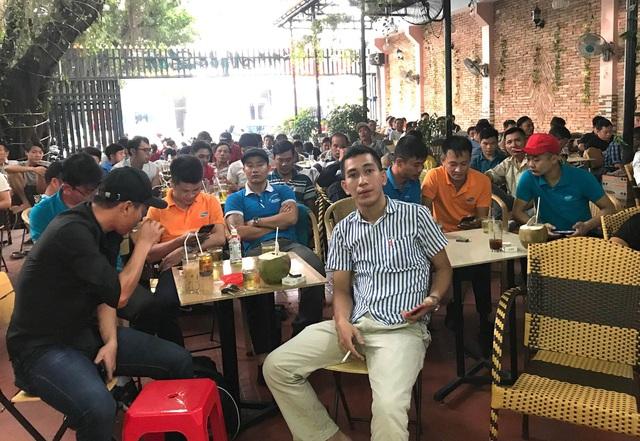 Bố cầu thủ Tiến Linh: Tôi thót tim, lo lắng khi thấy con trai đá penalty - Ảnh 2.