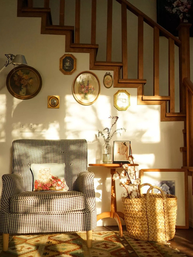 Cặp vợ chồng trẻ biến ngôi nhà đổ nát thành không gian sống hoa nở bốn mùa - Ảnh 11.