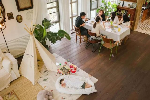 Cặp vợ chồng trẻ biến ngôi nhà đổ nát thành không gian sống hoa nở bốn mùa - Ảnh 13.