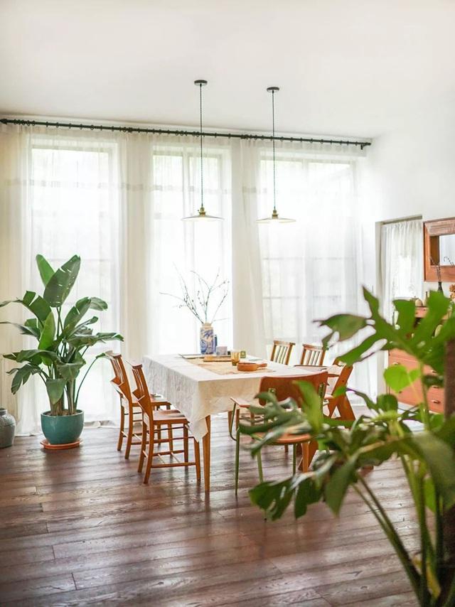Cặp vợ chồng trẻ biến ngôi nhà đổ nát thành không gian sống hoa nở bốn mùa - Ảnh 14.