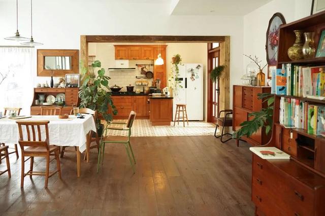 Cặp vợ chồng trẻ biến ngôi nhà đổ nát thành không gian sống hoa nở bốn mùa - Ảnh 16.