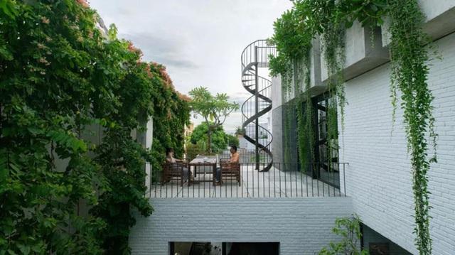Ngôi nhà góc nào cũng như đang đi trong công viên dành cho gia đình 5 người ở Đà Nẵng - Ảnh 6.