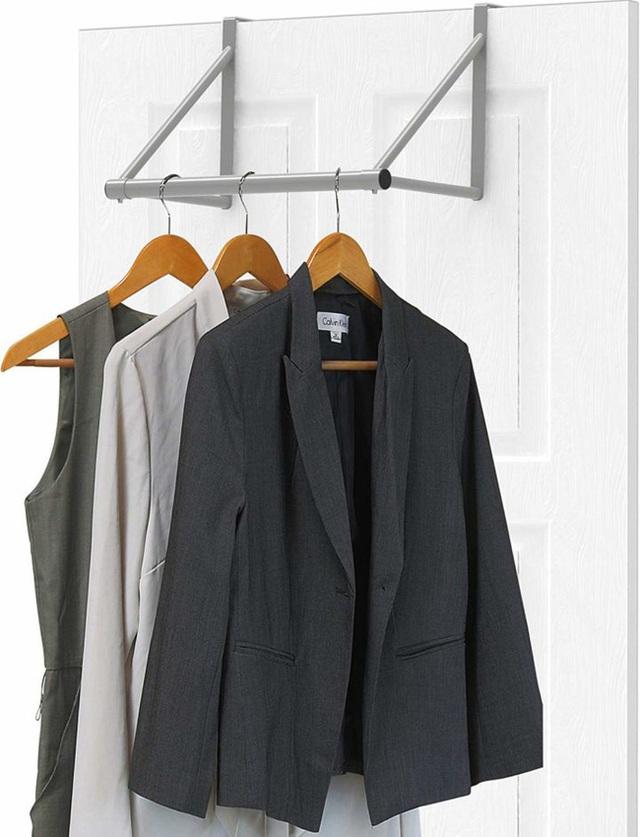 9 ý tưởng tổ chức tủ quần áo để giúp bạn không phải đau đầu mỗi khi muốn mua 1 món đồ mới mà lo không có chỗ cất - Ảnh 7.