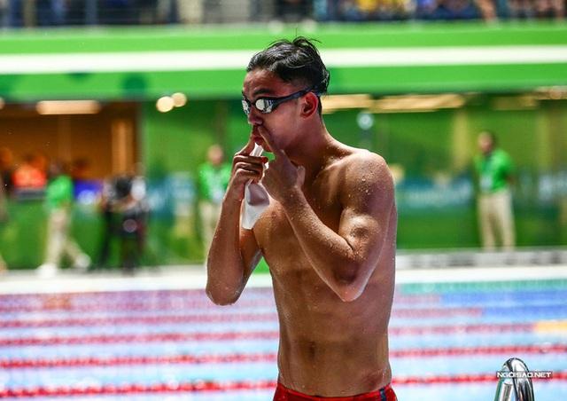 Huy Hoàng khoe cơ bắp sau khi phá kỷ lục SEA Games - Ảnh 9.