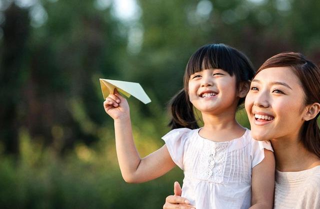 Thấm thía trước những điều cha mẹ luôn tiếc nuối khi con cái trưởng thành - Ảnh 1.