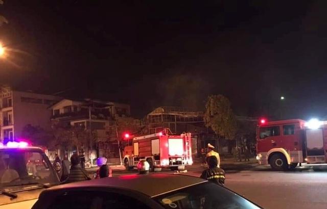 4 người tử vong trong vụ cháy nhà hàng ở Vĩnh Phúc lúc rạng sáng - Ảnh 1.