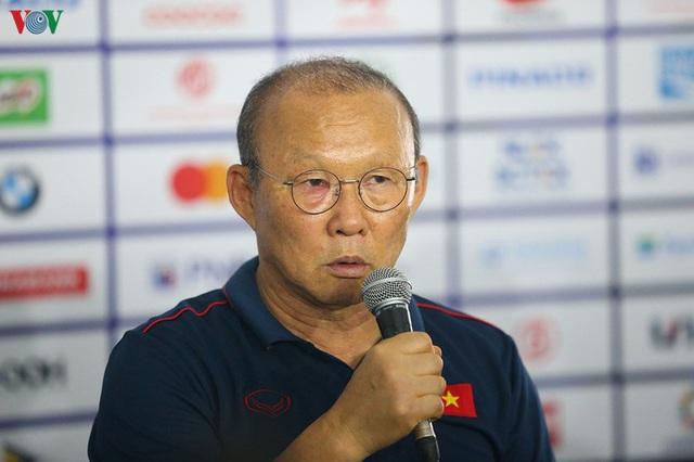 Thầy Park nói gì khi PV Tân Hoa Xã xin lời khuyên cho bóng đá Trung Quốc? - Ảnh 1.
