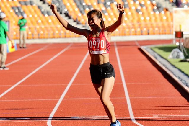 Câu chuyện khó tin: Nữ VĐV chạy Grab phụ giúp gia đình đoạt HC Vàng SEA Games - Ảnh 1.