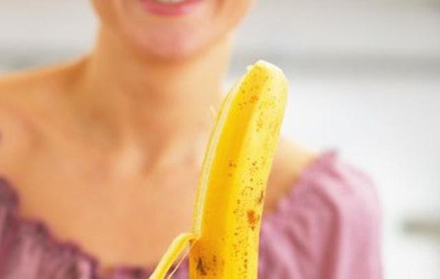 Chuyên gia làm rõ lời đồn ăn vỏ chuối có thể giảm cân - Ảnh 3.