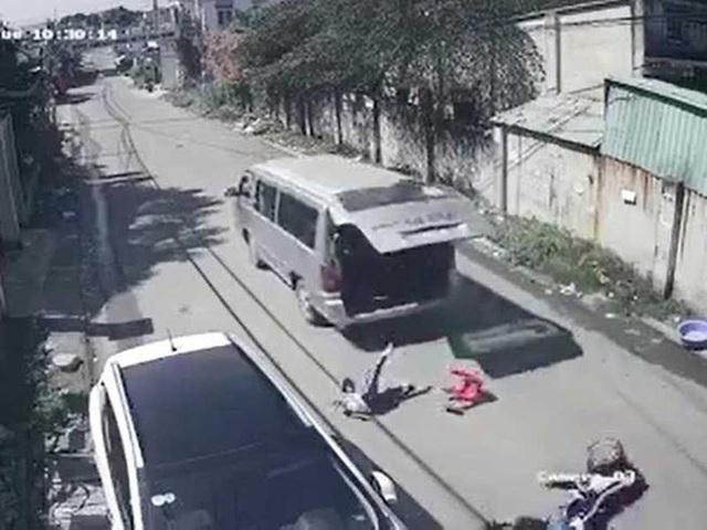 Bộ GD&ĐT rà soát chất lượng xe sau loạt sự cố học sinh bị văng ra khỏi xe đưa đón - Ảnh 1.